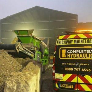 Calling a Hydraulic Breakdown Service