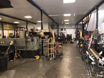 Hydraulic ram workshop